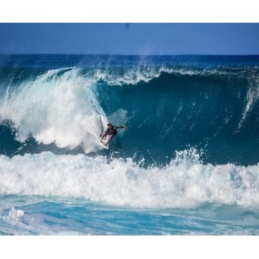 Surfing Lessons to Achive Peace and Happiness